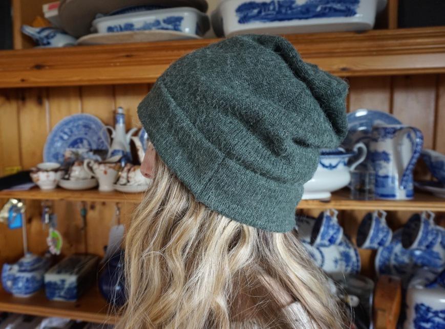 Refashioned Beanie Hat (attieanddora.com)